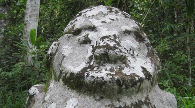 Megalit Tokala'ea (Oliver van Straaten)